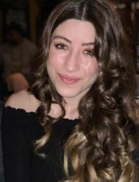 Hazal is an English tutor in Berkshire