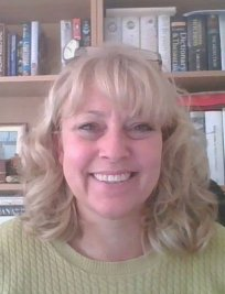Sarah is a tutor in Verwood