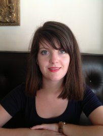 Lucy is a private English tutor in Daventry