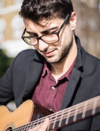 Luca offers Electric Guitar lessons in North Kensington