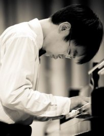 Jinfeng offers Piano lessons in Havant