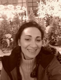 Chrystelle is a tutor in Newport Pagnell