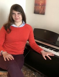 Fani-Margarita offers Piano lessons in Nottingham
