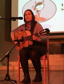 Maria teaches Guitar lessons in North West London