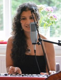 Yasmine teaches Music Theory lessons in Heathfield