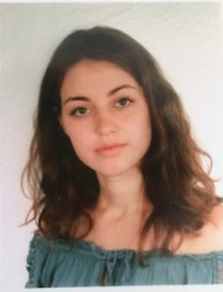 Greta is an Italian tutor in Surrey