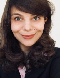 Arina is a French tutor in North East