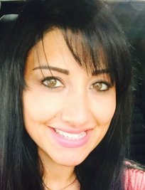 Anu is an English tutor in St Helens