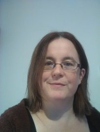 Fionnuala is a private Humanities and Social tutor in Dudley