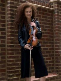 Katarina teaches Music Theory lessons in Surrey Greater London