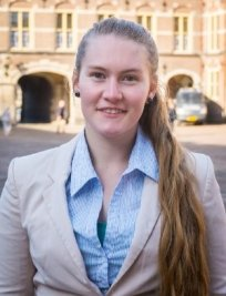 Sophie is a private English tutor in Woodley