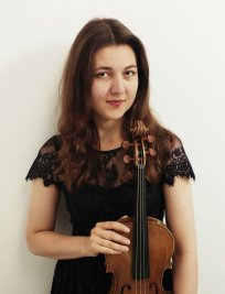 Aleksandra offers Violin lessons in Bishopsgate