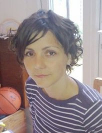 Magali is a French tutor in Woodlands