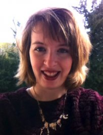 Elena is a French tutor in Worthing