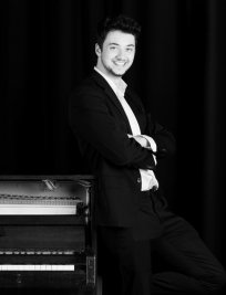 Silvan offers Intermediate Piano lessons