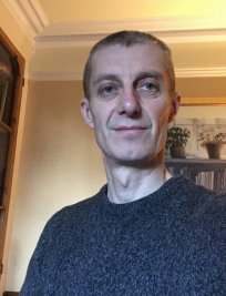 fabian is a French tutor in Gravesend