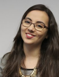 Nada is a French tutor in East London