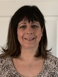 Nadia is a private English tutor in Brighton