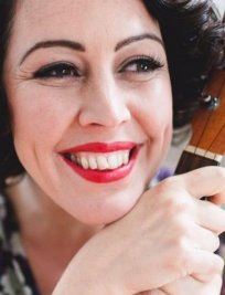 Sara is a private Popular Instruments tutor in Birkenhead
