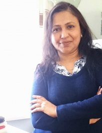 mayuri is an English tutor in North Finchley