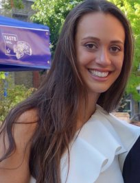 Carlotta is an Italian tutor in Surrey Greater London