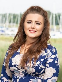 Sian is a private English tutor in Portsmouth