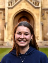 Olivia is a French tutor in Stourbridge