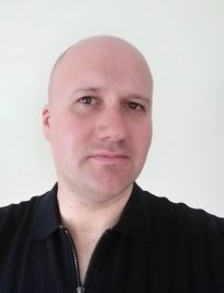 Ashton is a private tutor in Gidea Park