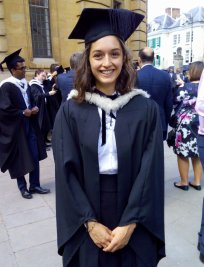 Anush is a French tutor in Isleworth