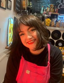 Tamsin offers Humanities and Social tuition in Kirkstall