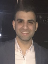 Farid is a Business Studies tutor in Kirkintilloch