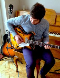 Matthew offers Electric Guitar lessons in Woking