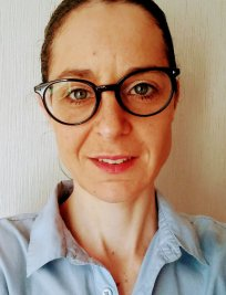 Dora is a French tutor in Guiseley