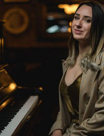 Natalia teaches Singing lessons in Central London