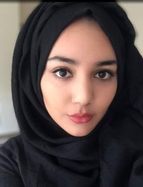 Sumayah is an English tutor in South Yorkshire