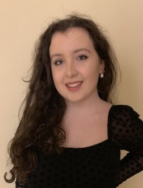 Sophie is a French tutor in Walsall