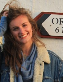 Sarah-Jane is a French tutor in Woodley