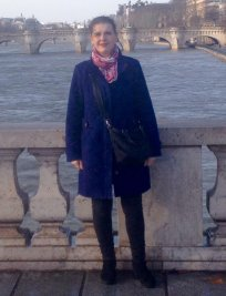 Annie is a French tutor in Hanworth