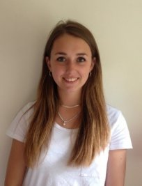 Zoe is a German tutor in Orpington
