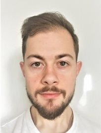Elliot is a Spanish tutor in Ruislip