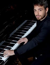 Simone Alessandro offers Music tuition in Sidcup