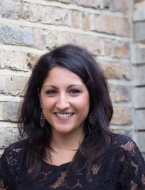 Laina offers Confidence Coaching lessons in Hertfordshire Greater London
