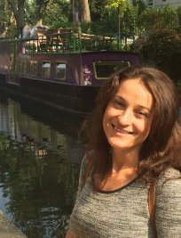 Flori is an Advanced Maths tutor in Beckenham