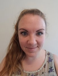Siobhan is a private tutor in Canford Cliffs