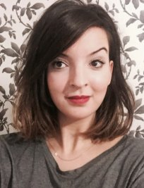 SARAH is a French tutor in Isle of Wight