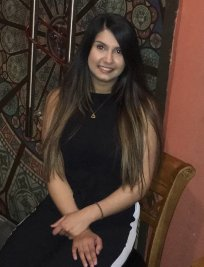 Aamna is a private English tutor in Adel