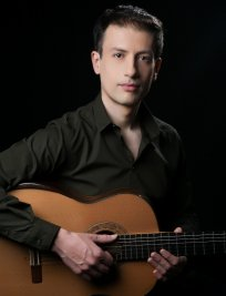 Andreas teaches Guitar lessons in Erdington