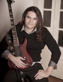 david offers Bass Guitar lessons in East London