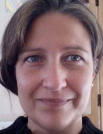 CELIA is a Spanish tutor in Earlsdon
