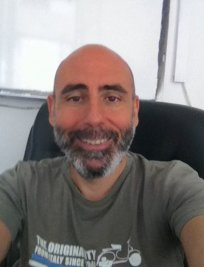 Keon is an Italian tutor in East London